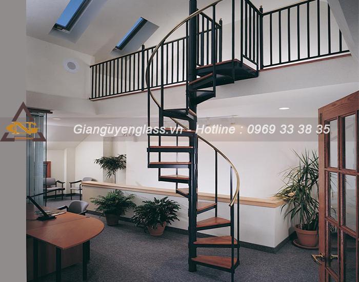 Chia sẻ những kiểu thiết kế cầu thang dành cho nhà ống hiện đại Cau-thang-xoay
