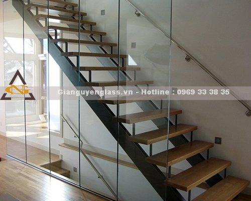 Cầu thang xương cá tại Hà Nội