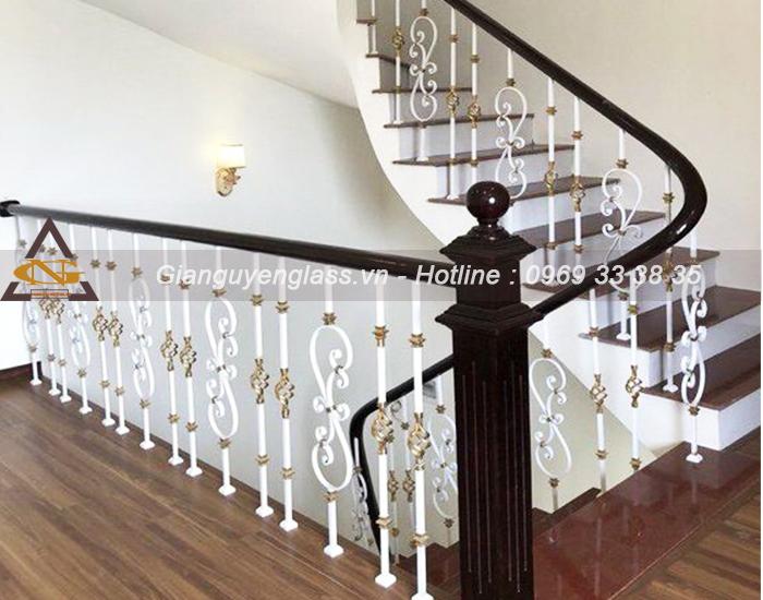 Mẫu cầu thang sắt nghệ thuật đơn giản