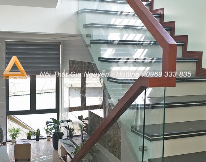 Lắp đặt thi công cầu thang kính cường lực đẹp cao cấp giá rẻ tại miền Bắc