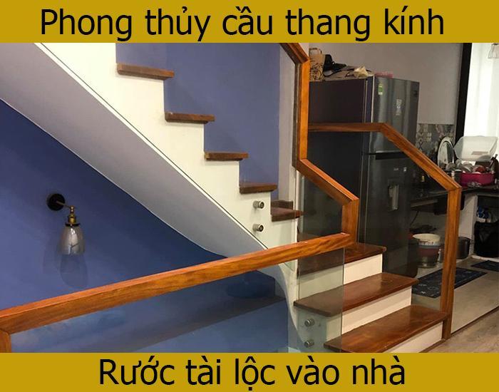 Phong thủy cầu thang kính cho nhà ở