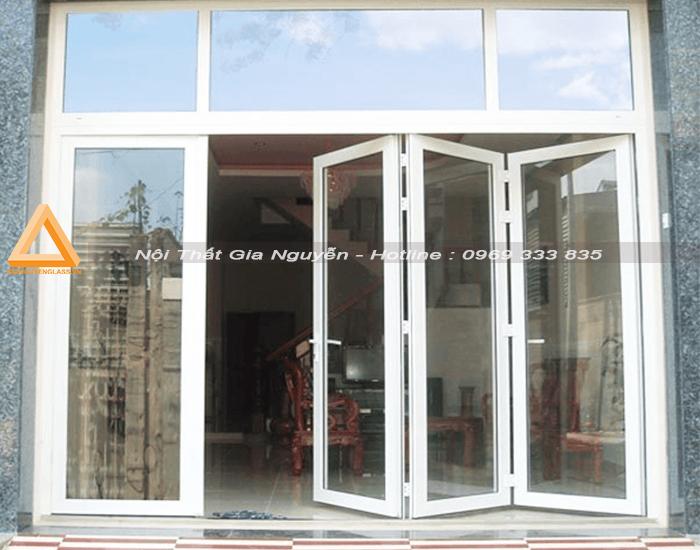 cửa đi nhôm Xingfa xếp gấp 4 cán màu trắng