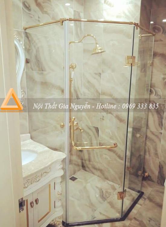 Vách kính nhà tắm 135 độ