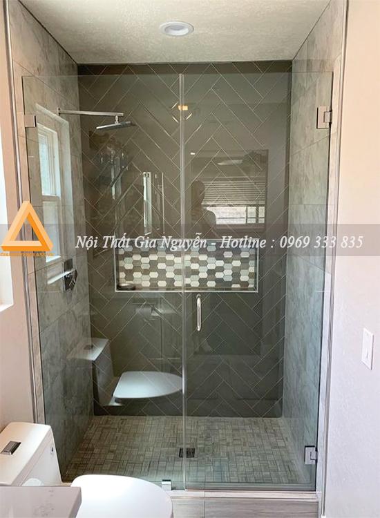 Vách kính phòng tắm thẳng đẹp