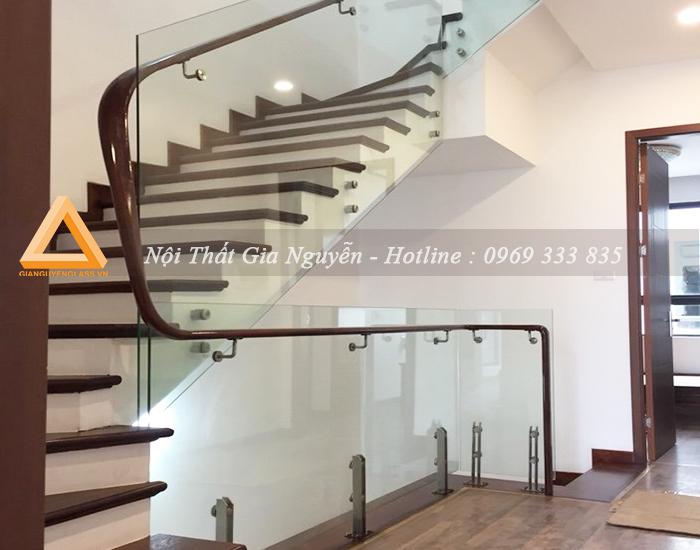 Cầu thang kính cao cấp
