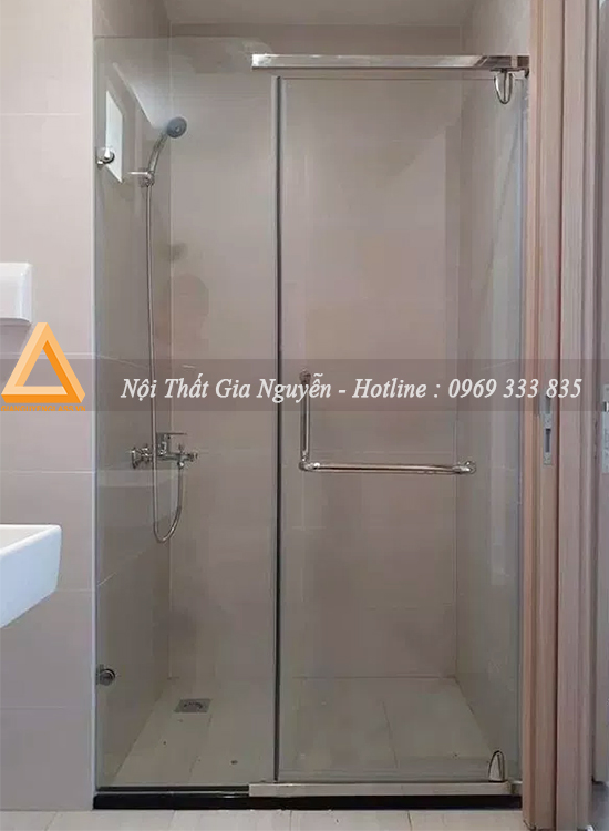 thi công vách kính nhà tắm thẳng tại Biệt thự Hoa Anh Đào Vinhomes Riverside